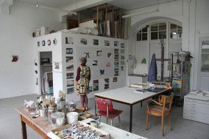 21. Op het atelier (foto André Smits, Artist in The World)